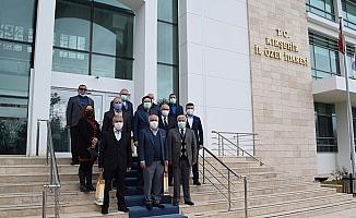 Kırşehir İl Özel İdaresinden emekli personellere teşekkür plaketi