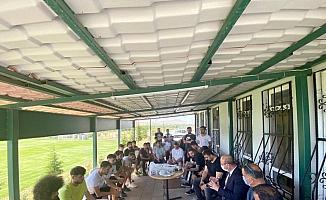 Başkan Ekicioğlu, Kırşehir Belediyespor'lu oyuncularla buluştu