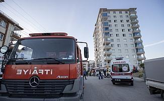 Başkentte bir evde çıkan yangın itfaiye ekiplerince söndürüldü