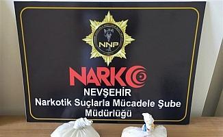 Nevşehir'de cips paketinde uyuşturucu taşıdıkları iddia edilen 2 yabancı uyruklu tutuklandı