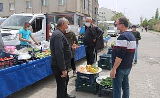 Ulaş'ta semt pazarı Kovid-19 tedbirlerine uyularak açıldı