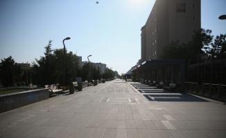 Bursa ve çevre illerde sokağa çıkma kısıtlaması nedeniyle sessizlik hakim