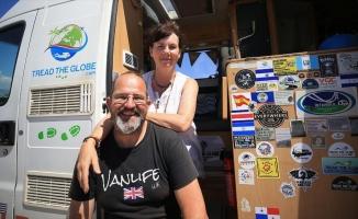 Karavanda yaşayan İngiliz çift, salgın sürecini güvenli buldukları Türkiye'de geçiriyor