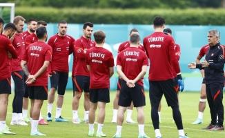 Şenol Güneş, Avrupa Futbol Şampiyonası'ndaki ilk maçına çıkacak