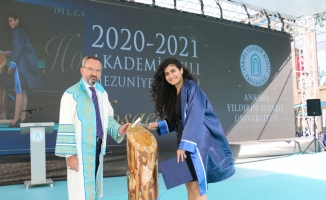 AYBÜ Siyasal Bilimler Fakültesinde mezuniyet sevinci