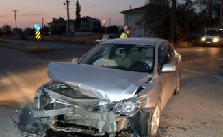 Aksaray'da iki otomobil çarpıştı: 5 yaralı