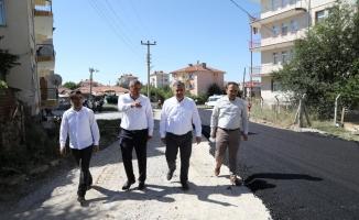 Çubuk'ta asfaltlama çalışmaları sürüyor