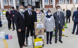 Kahramankazan'da okullara hijyen seti dağıtıldı