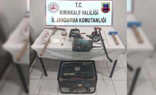 Kırıkkale'de define arayan 2 şüpheli suçüstü yakalandı