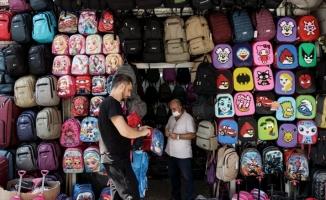 Mağazalarda okul alışverişi telaşı sürüyor