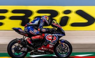 Milli motosikletçi Toprak Razgatlıoğlu İspanya'da birinci oldu