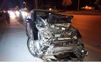 Ankara'da otomobilin çarptığı pikap takla attı: 1 yaralı
