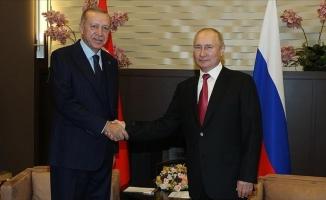 Erdoğan, Putin ile Türkiye-Rusya ilişkileri ve bölgesel konuları görüştü