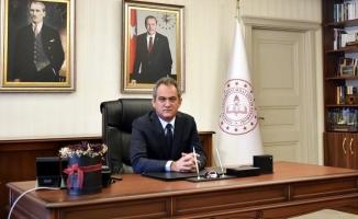 Milli Eğitim Bakanı duyurdu! Üniversite ve lise öğrencilerine müjde