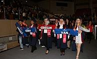 Açıköğretimde mezuniyet coşkusu