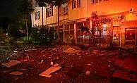 Başkentte apartmanın çatısına yıldırım düştü