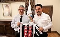 Aksarayspor kulübü yöneticileri Vali Pekmez'i ziyaret etti