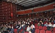 Akşehir'de Yahya Kemal anlatıldı