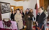 Türk kadınına seçme ve seçilme hakkının verilişinin 84. yıl dönümü
