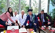 Belediye Başkanı Ertürk'ün mezuniyet heyecanı