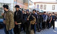 Çankırı'da 30 düzensiz göçmen yakalandı
