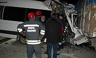 GÜNCELLEME - Konya'da trafik kazası: 2 ölü, 11 yaralı
