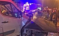 Aksaray'da minibüs ile otomobil çarpıştı: 1 ölü, 1 yaralı