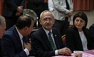 Kılıçdaroğlu iftar programına katıldı