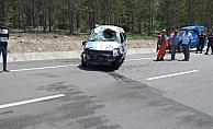 Konya'da hafif ticari araç devrildi: 5 yaralı