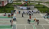 Trafik bilincini köydeki eğitim parkurunda öğreniyorlar