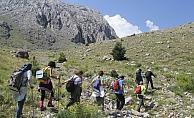 Anamas Dağı'ndaki Yeşilgöl doğaseverlerin gözdesi oldu