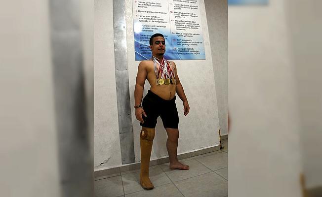 Havuzun antrenörsüz madalya avcısı