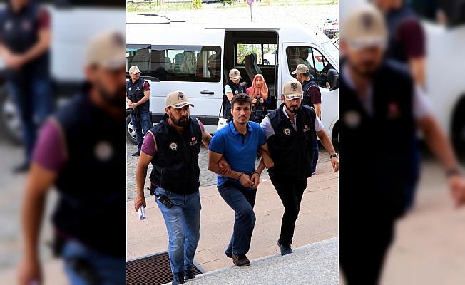 Hücre evinde yakalanan FETÖ firarisi çift tutuklandı