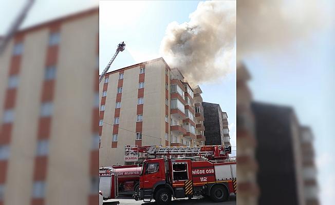 Niğde'de çatı yangını