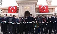 Çevre ve Şehircilik Bakanı Kurum, Şehit Yunus Mermer Camisi'nin açılışını yaptı