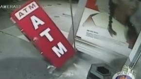 ATM'yi yerinden söktüler!