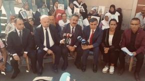 AYD Başkanı Burhan Diyarbakırlı Annelerin Yanında